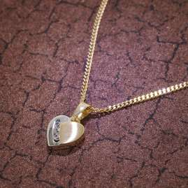 trendor 35735 Zirconia Heart Pendant on 40 cm Gold-Plated Necklace