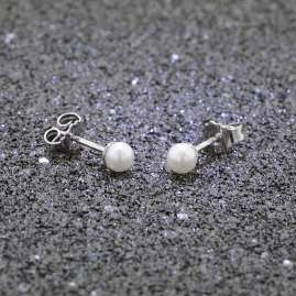 trendor 08899 Silver Pearl Stud Earrings Freshwater Cultured Pearls White