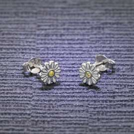 trendor 51037 Girls Stud Earrings 925 Silver Flower White