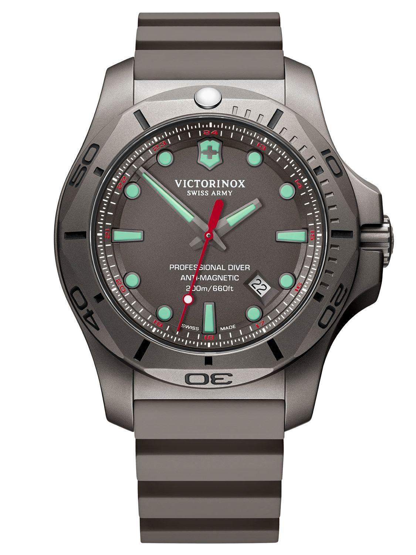 Victorinox 241810 Men S Watch I N O X Professional Diver Titanium